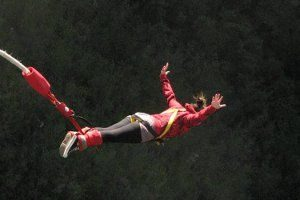 Riscuri bungee jumping - traumele coloanei